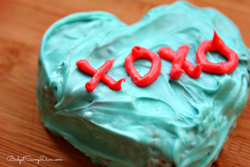 Conversation Heart Mini Cakes Recipe