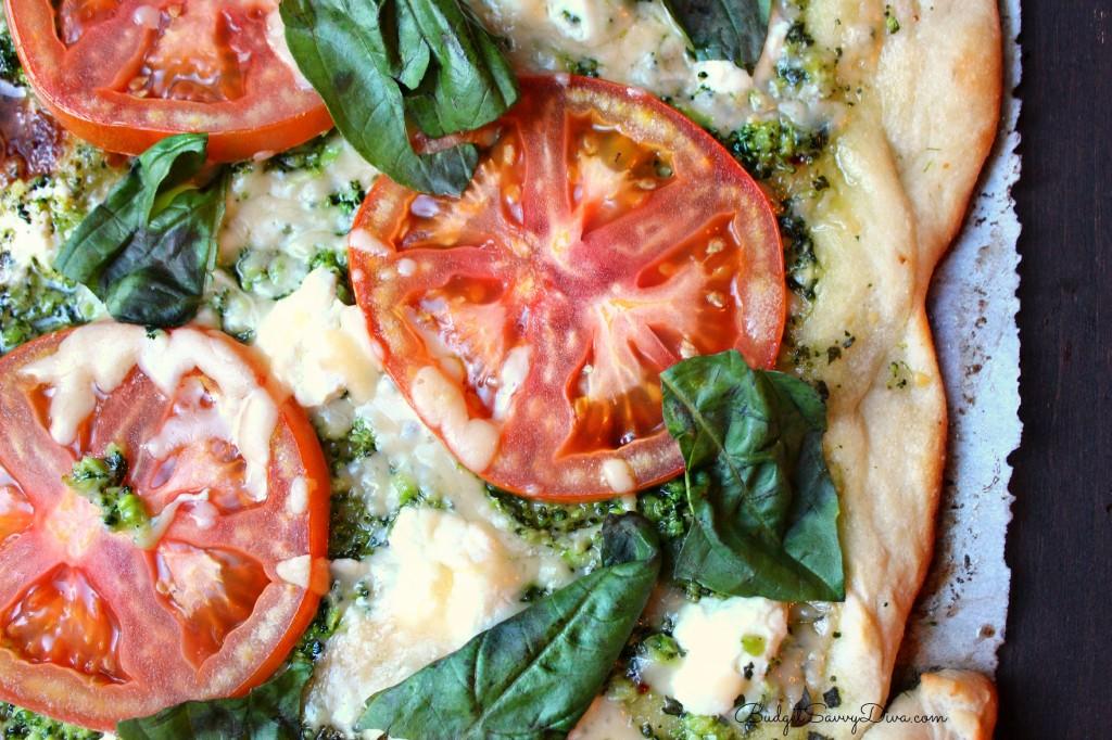 Easy Pesto Pizza Recipe , new recipes, vegetarian pizza recipes