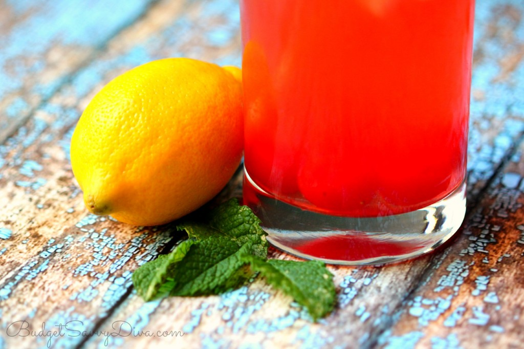 The BEST Cherry Lemonade Recipe