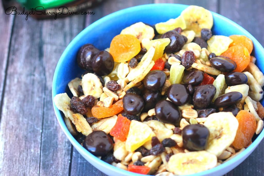 Dark Chocolate Cherries Trail Mix Recipe