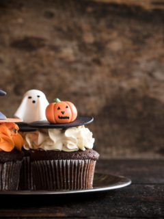 Funny Halloween cup cakes