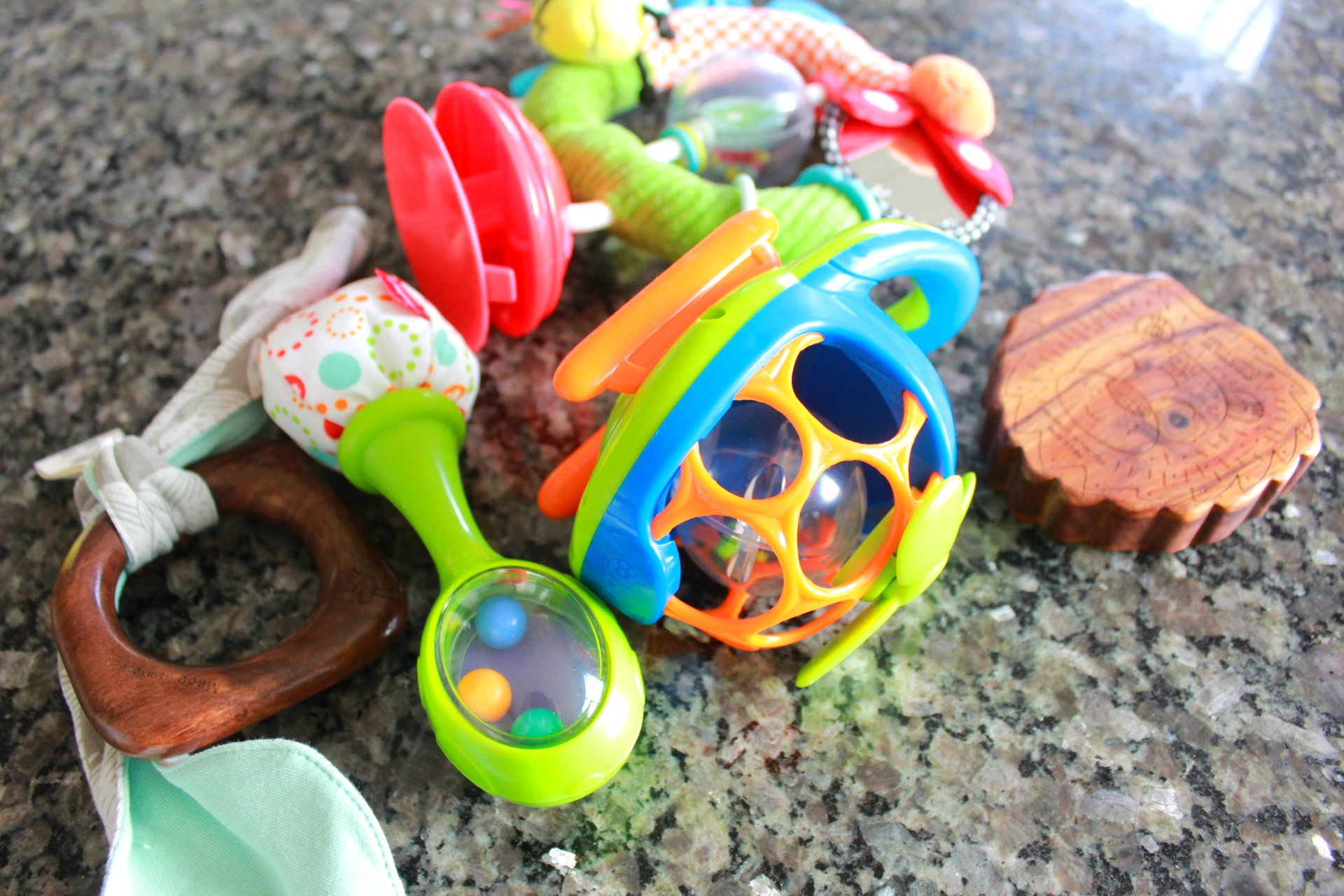 Toys For Twins : Cleaning the twins toys getting ready for budget